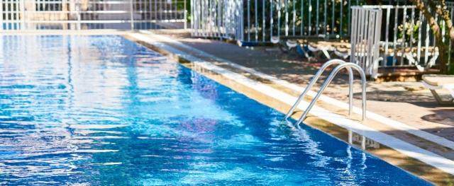 pool-4350169_1920.jpg